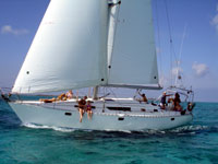 sailing to stingray city in the beautiful waters of grand cayman